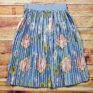 Lularoe Skirts - LulaRoe Jill Skirt Size Medium Blue Floral Pleated